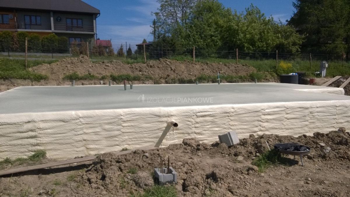 izolacje natryskowe fundament