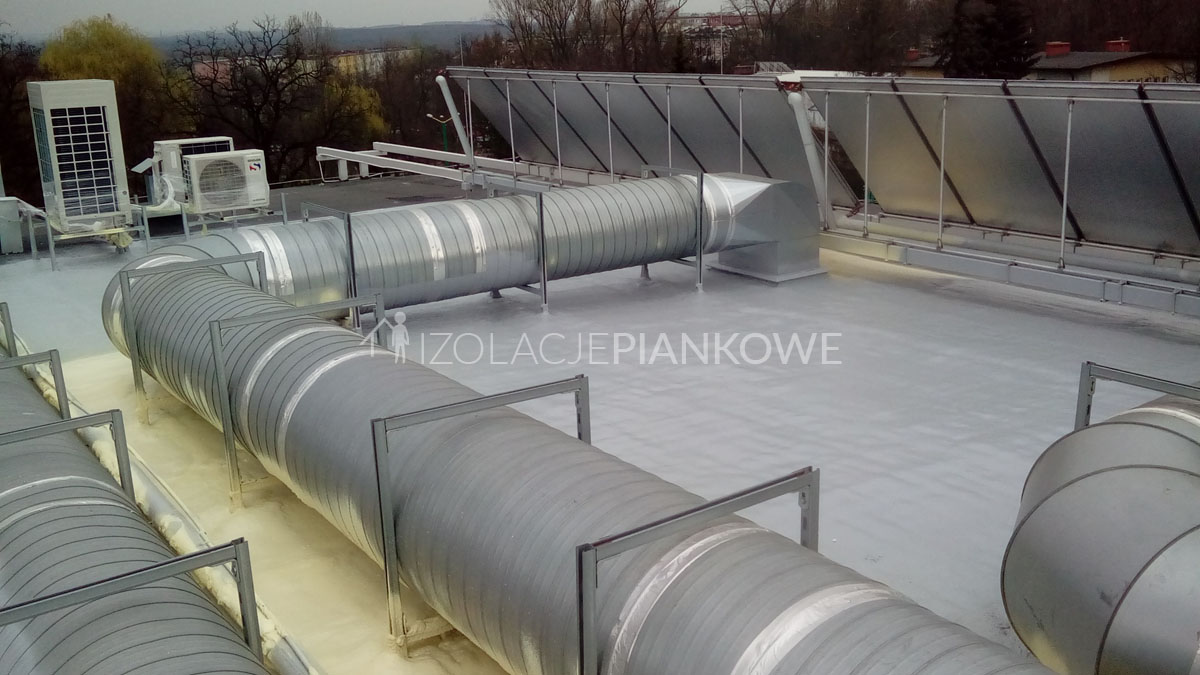 docieplenie pianą dachu