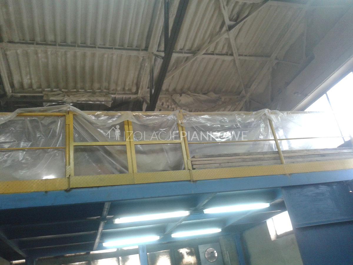 izolacja natryskowa hali przemysłowej