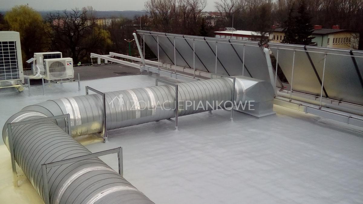 izolacja pianowa dachu