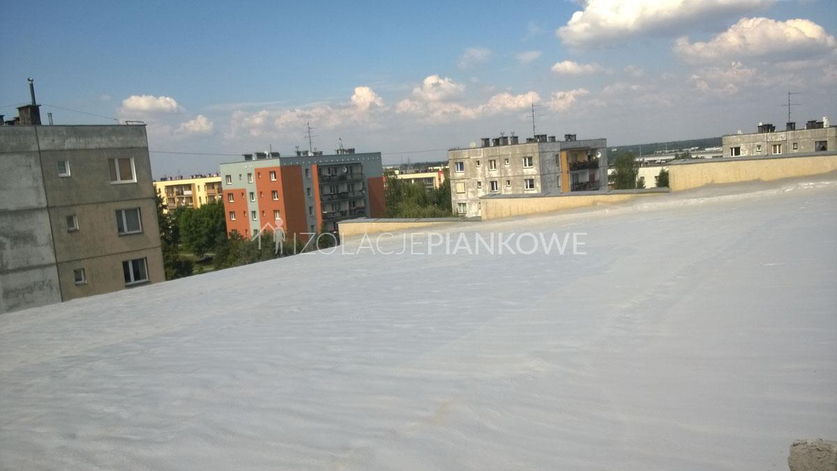 modernizacja dachu płaskiego pianką