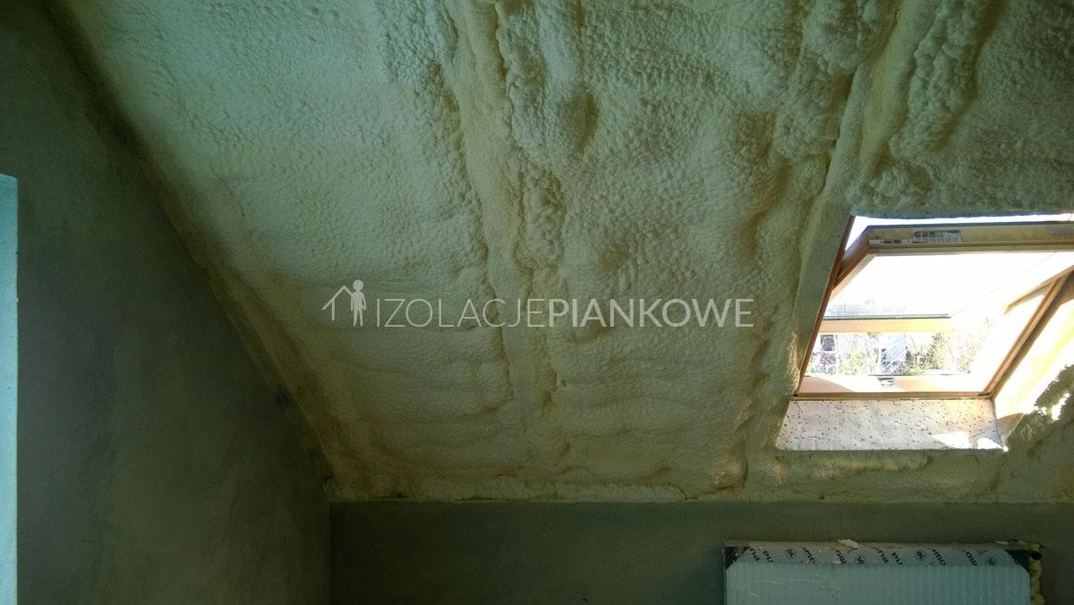 ocieplenie dachu pianą pur