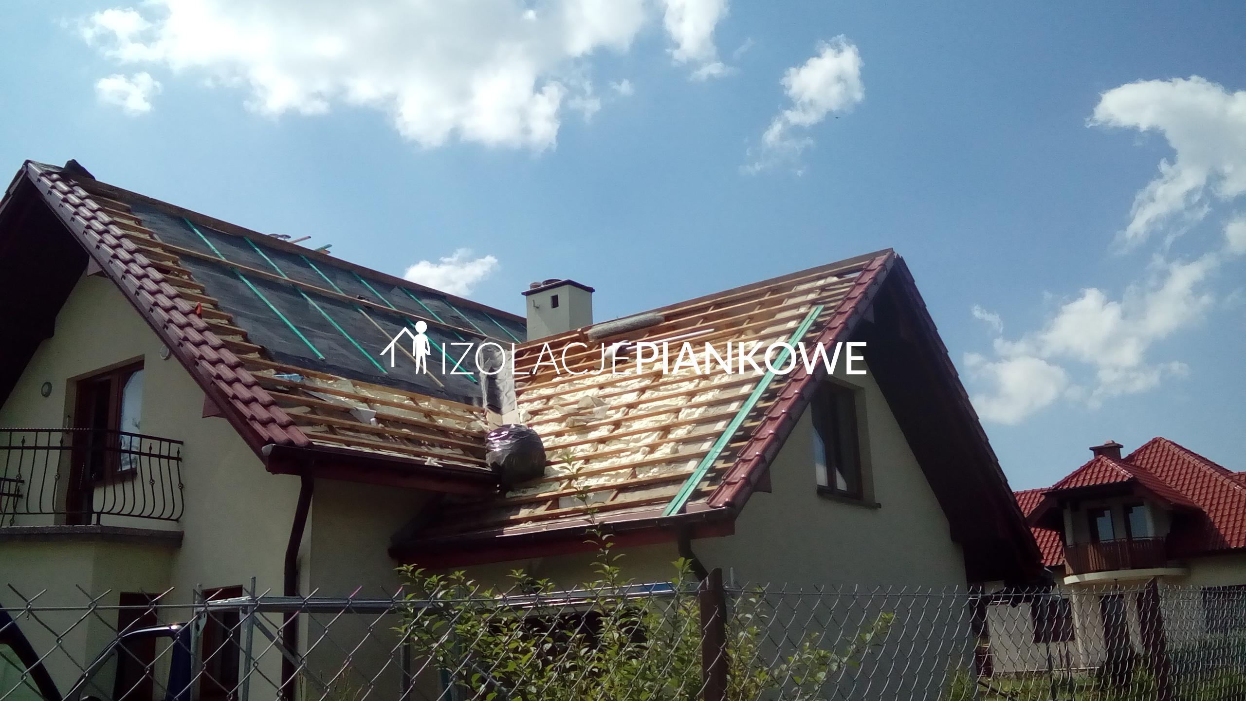 Natrysk pianki pur - jako ocieplenie dachu
